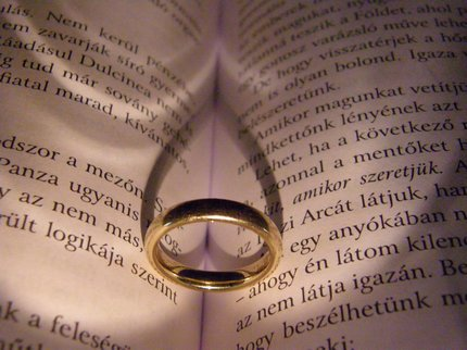Literary ring heart